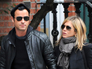 Jennifer Aniston and Justin Theroux walk hand-in-hand in Manhattan New York City, USA - 16.09.11 Credit: (Mandatory): Ivan Nikolov/WENN.com