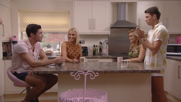 Tom Pearce chats with Sam Faiers and Joey Essex