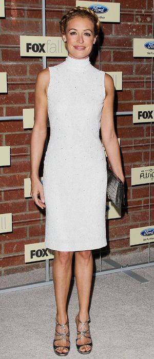 Miss Mode: White Dress Cat Deeley 