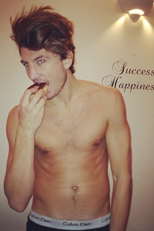 miss mode: tom kilbey twitter