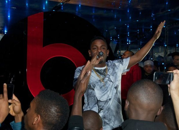 Kendrick Lamar performing at Solo Beats by Dre launch, London, 09.11.12