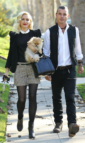 Miss Mode: Gwen Stefani arrives at her parents home with Gavin Rossdale for Thanksgiving Los Angeles, California - 22.11.12 Mandatory Credit: WENN.com