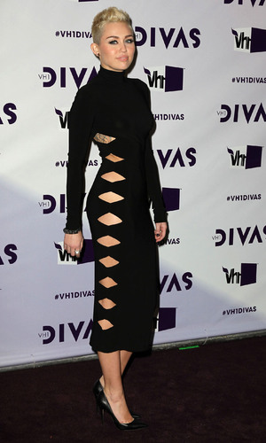 Miss Mode: VH1 Divas 2012 held at The Shrine Auditorium - ArrivalsFeaturing: Miley Cyrus Where: Los Angeles, California, United States When: 16 Dec 2012 Credit: FayesVision/WENN.com