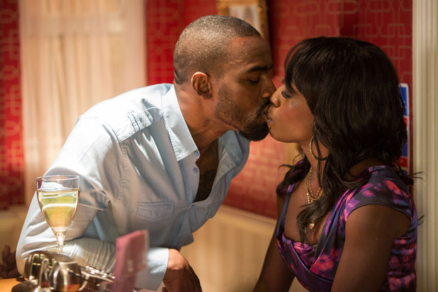 EastEnders, Denise and Ray kiss, Thu 3 Jan