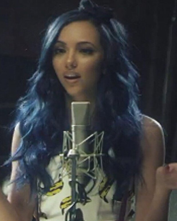 Little mix s jade thirlwall is seeing blue with fab new hair colour