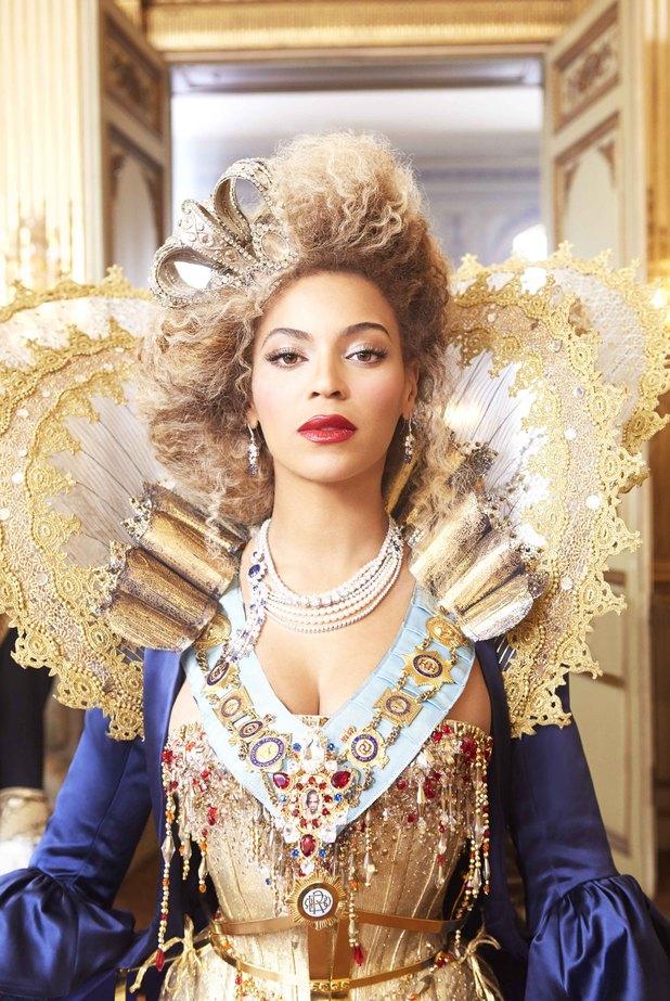Beyonce - Mrs. Carter world tour promotional photo