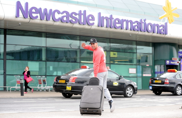 Jay Gardiner heads to Australia to meet up with Geordie Shore cast - 9 April 2013
