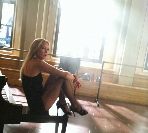 Kate Hudson Returns To Glee As Rachel Berry S Dance