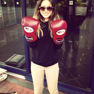 Louise Thompson tweets picture of her wearing boxing gloves - 4 May