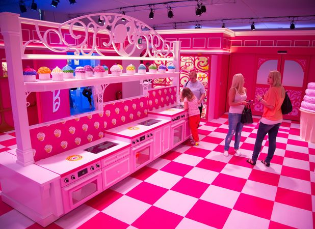 Barbie Fans Flock To Berlin To Visit Life Size Barbie 39 S