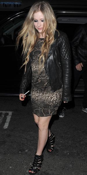 Avril Lavigne leaving her hotel to go to dinner in Mayfair