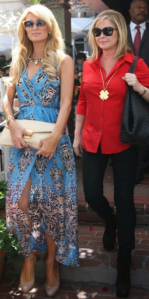 Paris Hilton has lunch with her mother Kathy Hilton at The Ivy