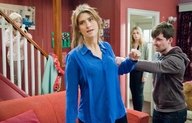 Emmerdale, Robbie goes for Debbie, Wed 5 Jun