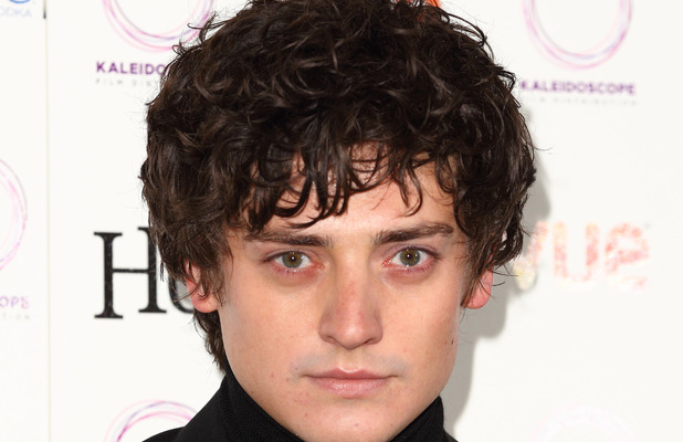 Aneurin Barnard stars in new BBC1 drama The White Queen