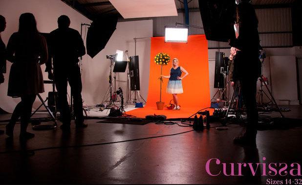 Curvissa - Image 2 - Vicky