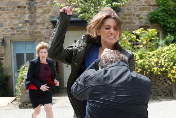Emmerdale, Debbie hits Robbie, Thu 27 Jun