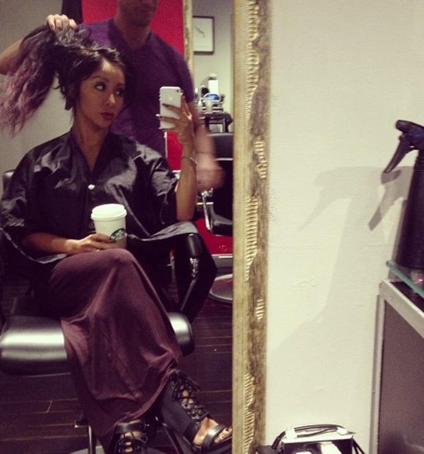 Snooki - Nicole Polizzi - gets her hair dyed a dark plum colour - 10 June 2013