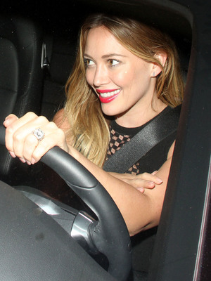 Hilary Duff pictured wearing red lipstick in Hollywood, LA, 27 June 2013