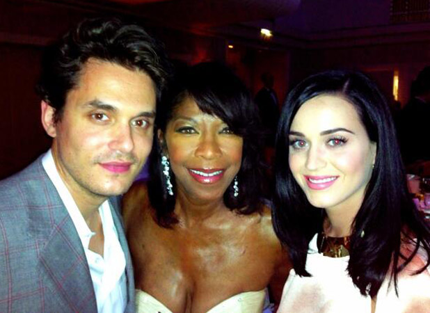 Katy Perry and John Mayer pose with Natalie Cole at the Friars Club, New York (24 June)