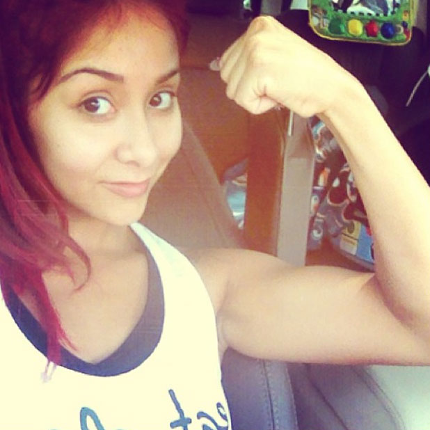 Snooki shows off her muscles in Instagram picture, 25 June 2013