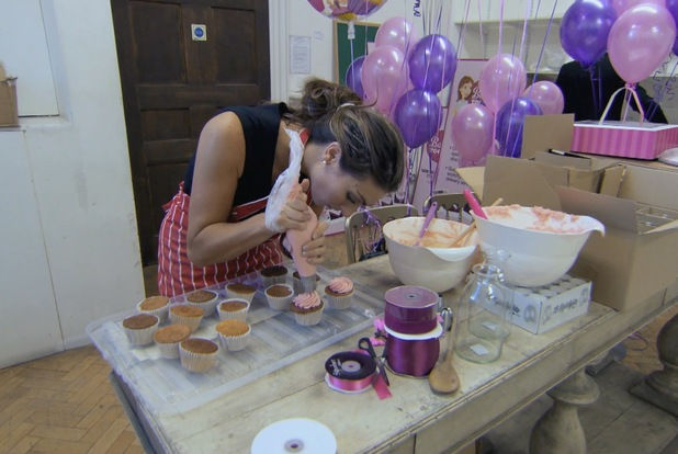 Luisa Zissman ices cakes during Apprentice final - 17 July 2013
