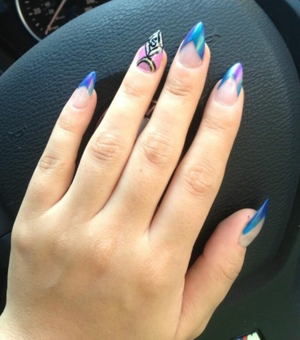 Lily Allen pointed nails duo-chrome nail art