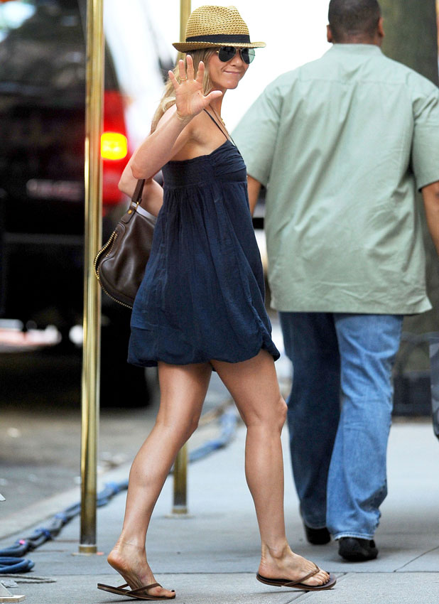 Jennifer Aniston, 'Squirrels to the Nuts' on set filming, New York, America - 16 Jul 2013