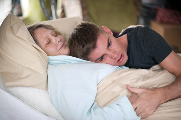 Hollyoaks, Ste hugs his dying mum, Thu 1 Aug