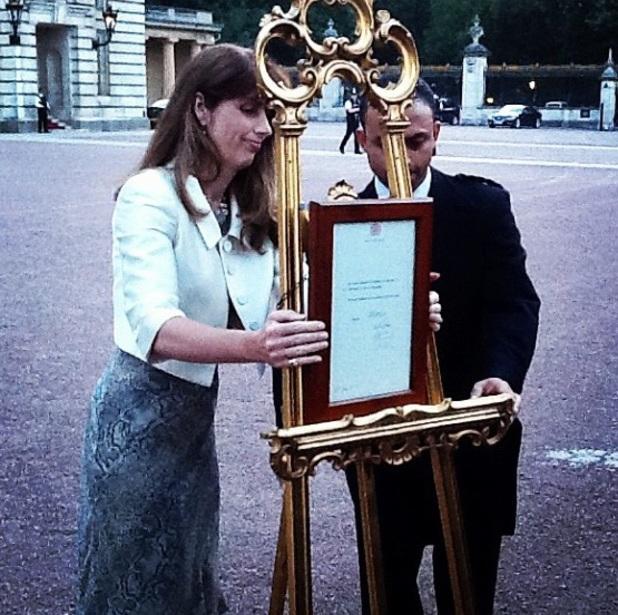 The birth notice outside Buckingham Palace