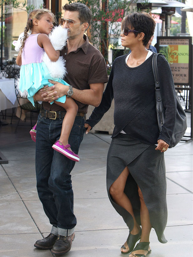 Halle Berry and Olivier Martinez out and about in Los Angeles, America - 24 Jul 2013