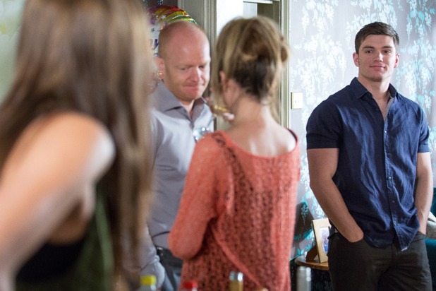 EastEnders, Lauren throws a party, Mon 12 Aug