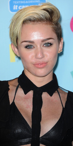 Miley Cyrus 2013 Teen Choice Awards Arrivals held at the Gibson Amphitheatre - Pressroom