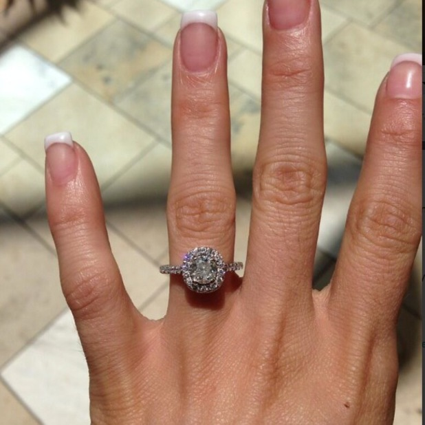 Cami Li gets her diamond engagement ring cleaned as Kirk Norcross flies to Miami - 15 August 2013