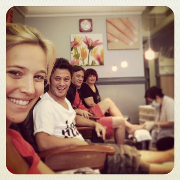 Luisana Lopilato gets a pedicure and goes make-up free ahead of baby's birth - 13 August 2013