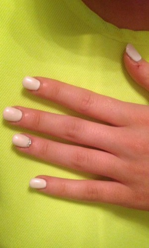 Abi Clarke TOWIE gets gel mani, London, 19 August