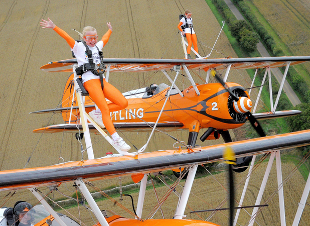 Rose and Flame became the world's youngest formation wing-walkers