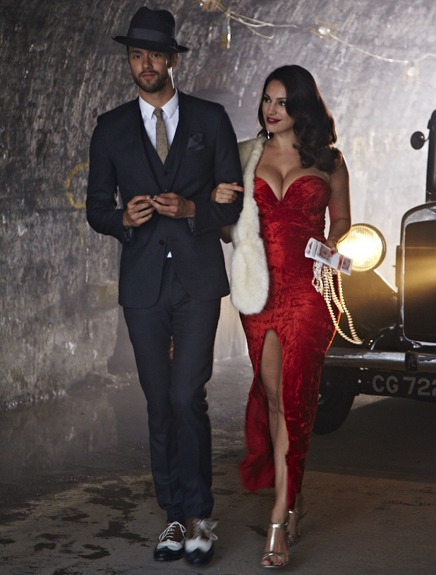 Kelly Brook stars in new Lawson music video for 'Juliet'