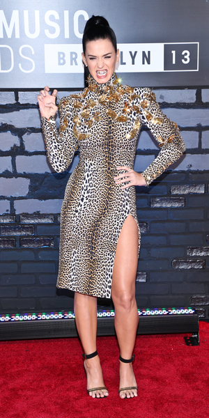 Katy Perry flashes her diamond grill teeth at The 2013 MTV Video Music Awards, Barclays Center