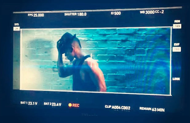 Oritse tweets a picture from the set of the final JLS video shoot, 29 August 2013
