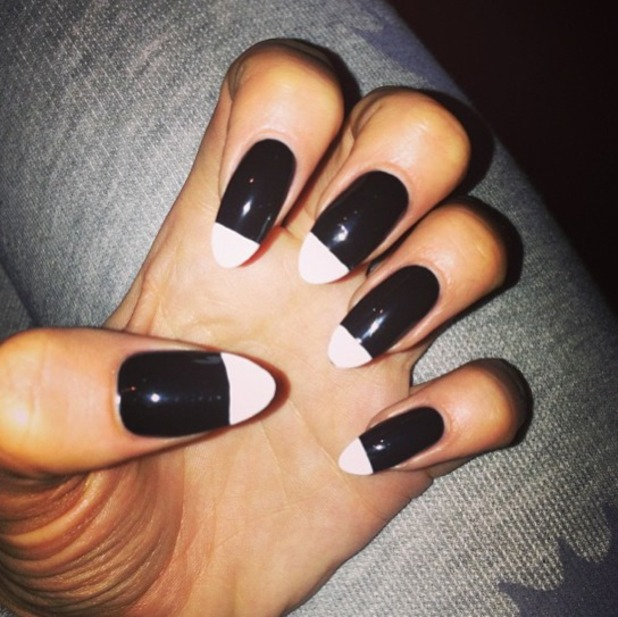 Jessie J shows off her monochrome nails ahead of Strictly Come Dancing performance, 4 September 2013