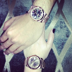 Khloe Kardashian and Scott Disick post pictures of their watches - 9.9.2013