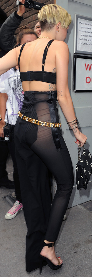 Miley Cyrus leaving her hotel in London, 11 September