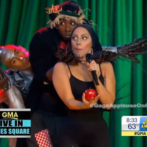 Lady Gaga performing a Wizard Of Oz-themed version of Applause on GMA, 9 September 2013