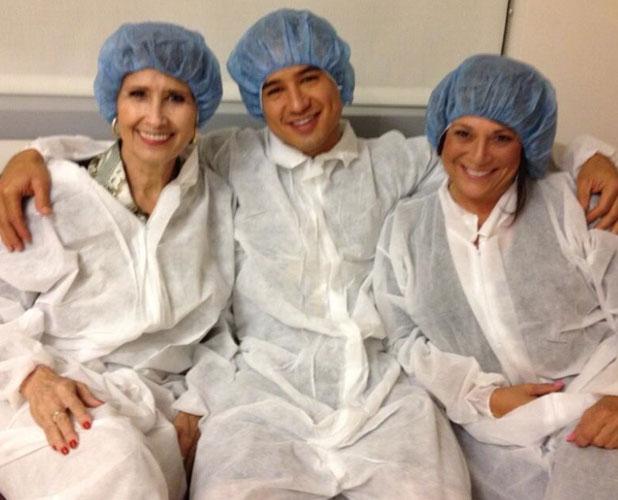 Mario Lopez with his mum and mother-in-law awaiting arrival of their son Dominic, 9 September 2013
