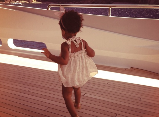 Beyonce and Blue Ivy on board a yacht while on holiday - 16 september 2013