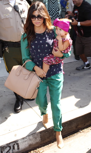 Kourtney Kardashian leaving Dash store in West Hollywood with daughter Penelope - 25.9.2013