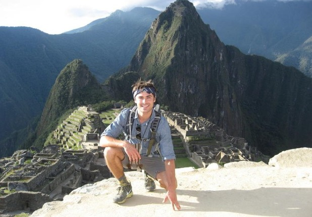 Zac Efron tweets picture of himself at Machu Picchu, Sept 27 2013