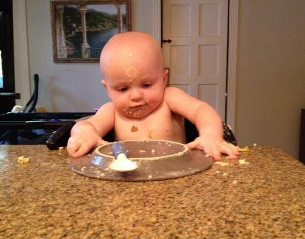 Anna Faris posts picture of one-year-old son Jack eating - 28.9.2013