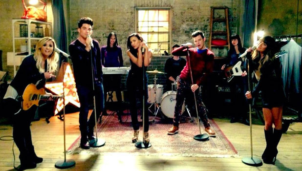 Lea Michele tweets a picture from the set of Glee, September 2013