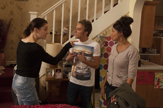 Corrie, Kylie's suspicious of David and Tina, Wed 9 Oct